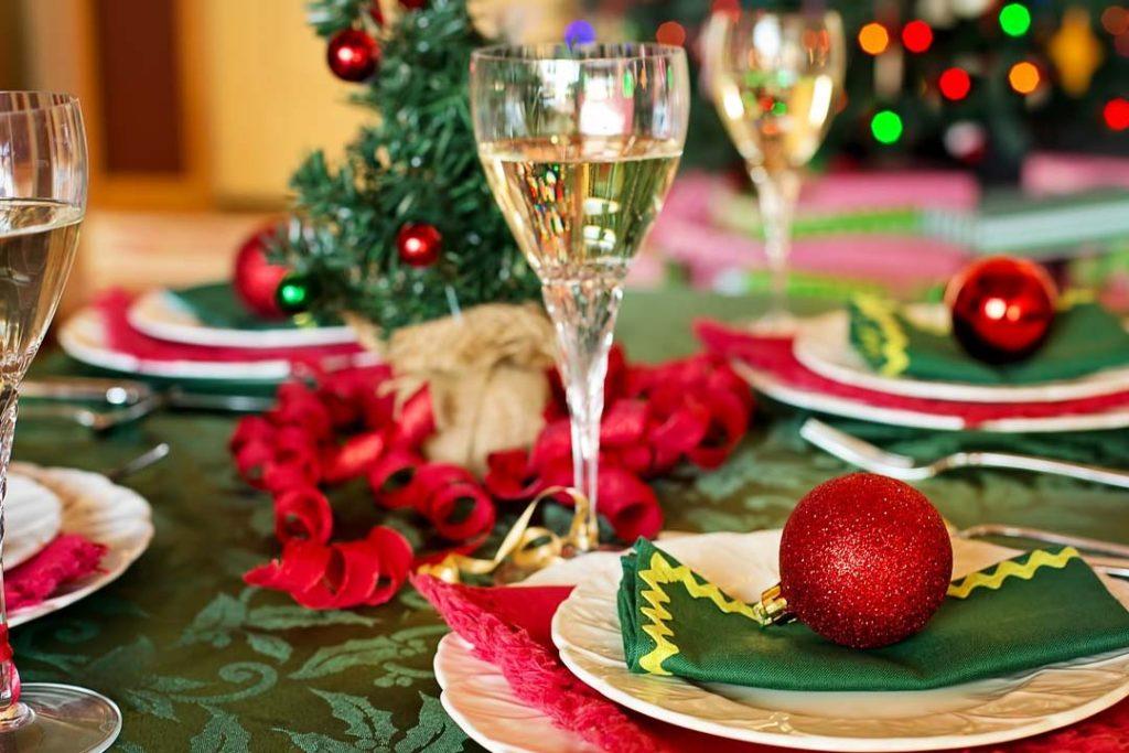 Ideas para decorar la mesa de la cocina esta Navidad